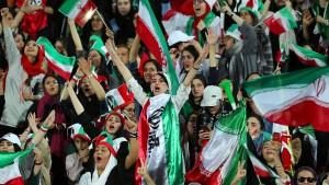 Iran verspricht Frauen Zutritt zu allen Spielen