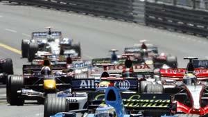 Alonso gewinnt, Schumacher Fünfter