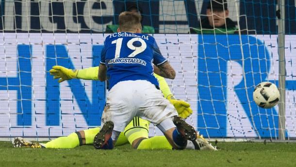 Joker-Neuzugang Burgstaller erlöst Schalke