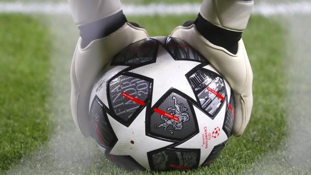 Zerreißprobe für den Fußball