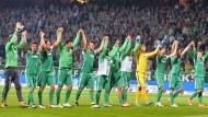 So viel Spaß kann Abstiegskampf machen. Bremen hofft wieder nach der 6:2-Gala.