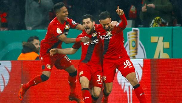 Leverkusen dreht Viertelfinale gegen Bremen
