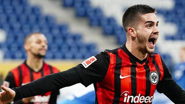 Die Brust bei Eintracht Frankfurt wird immer breiter