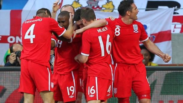 Defoe erlöst die Engländer