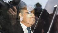 Einbestellt zum Verhör: Anfang kommender Woche wird das Urteil über Joseph Blatter gesprochen