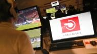 Der Video-Assistent und die Handspielregel sorgen auch an diesem Spieltag für große Diskussionen.