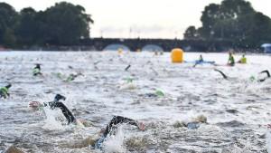 Hitzewelle hindert die Triathleten am Schwimmen