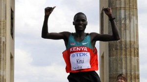 Kenianischer Doppelsieg am Brandenburger Marathon-Tor