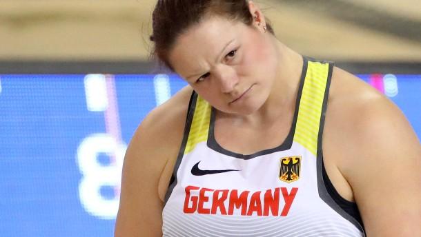 Christina Schwanitz fehlt ein Zentimeter!