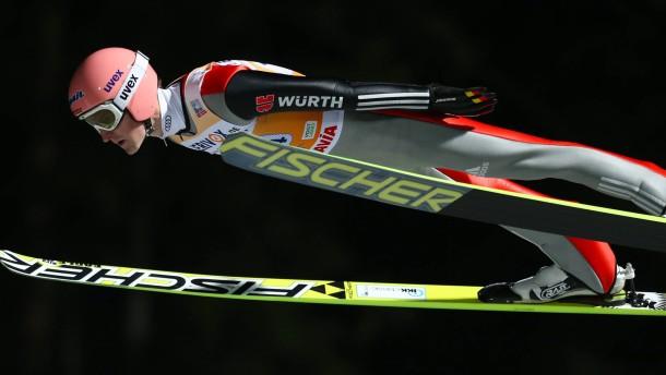 Skispringer starten mit Sieg in WM-Winter
