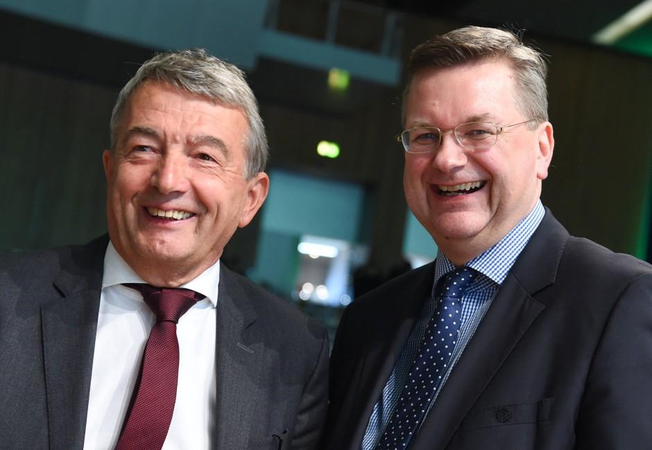 Der Neue und sein Vorgänger: Grindel (rechts) mit Wolfgang Niersbach.