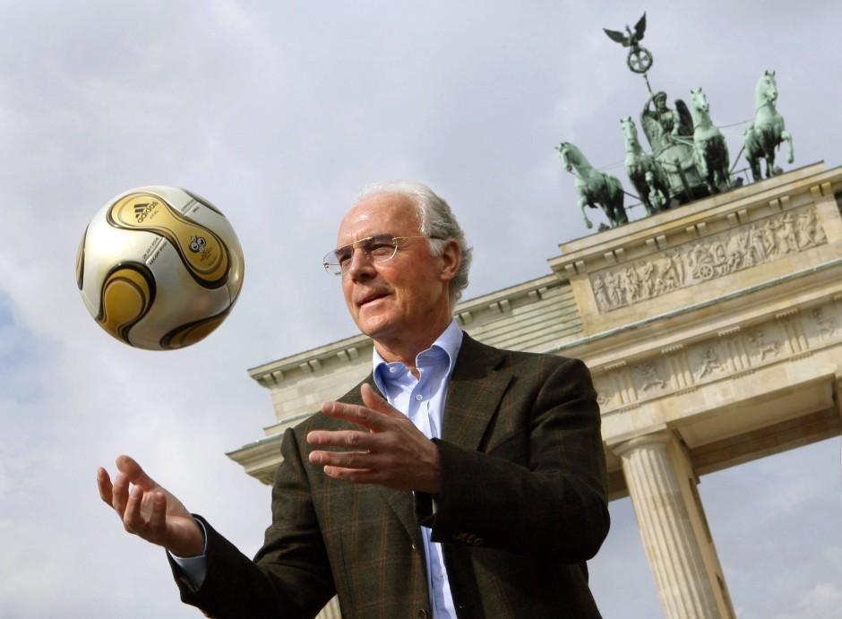 Franz Beckenbauer war damals Chef des WM-Organisationskomitees (Bild aus dem Jahr 2006)