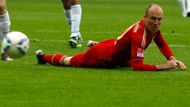Die Bayern schonen sich auf der Bank und auf dem Platz: Arjen Robben