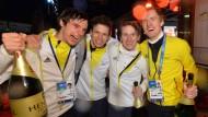 Da darf der Sekt nicht fehlen: Das deutsche Erfolgsquartett im Skispringen