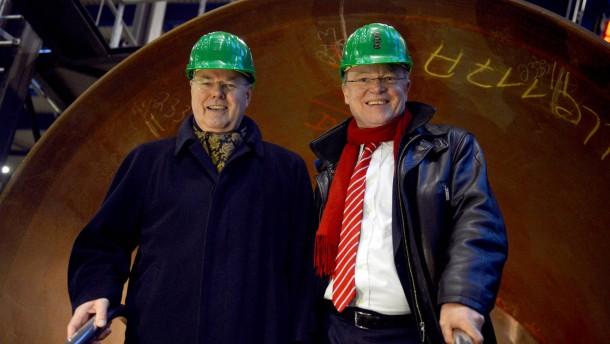 Peer Steinbrück und Stephan Weil bei den SIAG Nordseewerken
