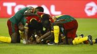 """Die """"unbezähmbaren Löwen"""" aus Kamerun holen den Titel in Afrika."""