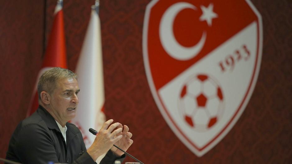 Stefan Kuntz stürmte einst bei Besiktas, jetzt wird er Nationalcoach in der Türkei.