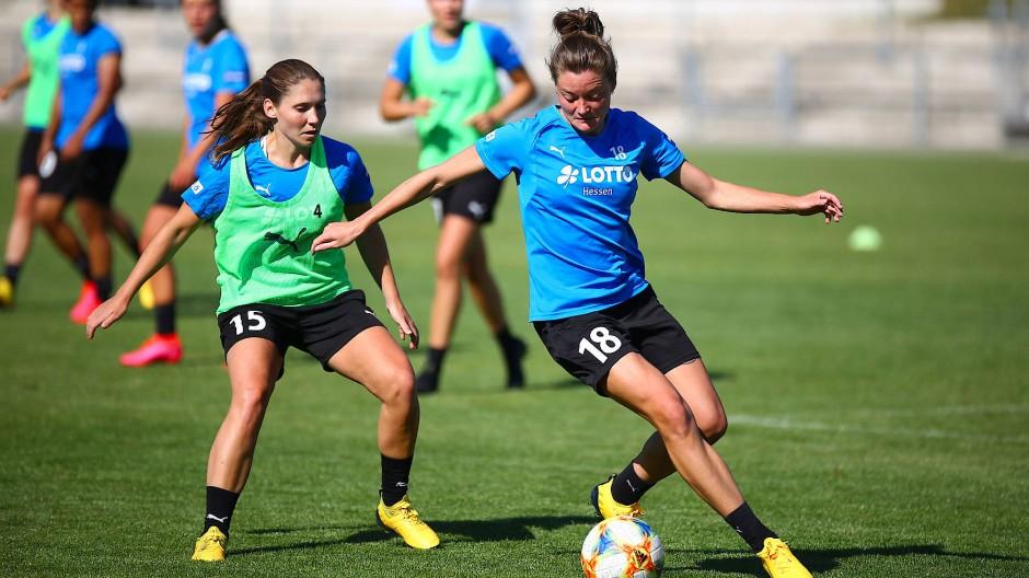 Sie wollen und dürfen wieder spielen: Auch die Fußballspielerinnen des FFC Frankfurt bereiten sich auf den Neustart vor.