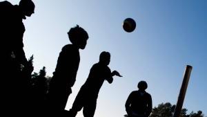 Sport mit Flüchtlingen ist nicht gemeinnützig