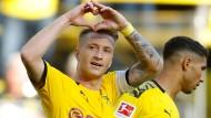 Von wegen schwache Form: Die BVB-Profis um Marco Reus ließen Leverkusen keine Chance.