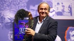 Platini zurück im Fußball