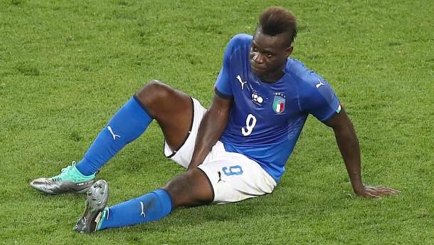 Italien und Holland treffen sich zum Trauerspiel