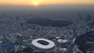 Im Nationalstadion von Tokio sollen am 23. Juli die Olympischen Spieler beginnen.