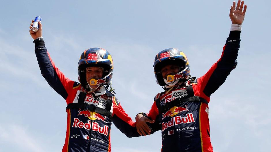 Sieger im Sand von Peru: Nasser Al-Attiyah (rechts) und Kopilot Matthieu Baumel.