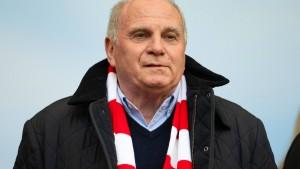 Hoeneß setzt Bayern-Spieler unter Druck