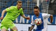 Ausgleich in letzter Sekunde: Tobias Weis (r.) trifft für Bochum gegen Aue