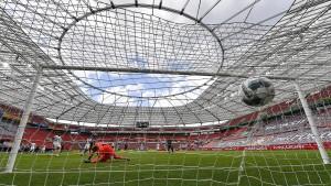 Leverkusen gewinnt und verliert das Fernduell