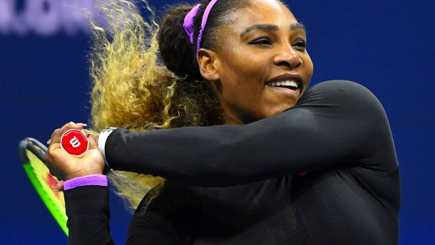 Serena Williams fegt Scharapowa vom Platz
