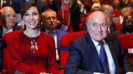 Fifa-Präsident Joseph Blatter (rechts) und Lebensgefährtin Linda Barras