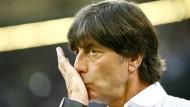 Ein bisschen Arbeit gibt es noch bis zur EM: Bundestrainer Joachim Löw.