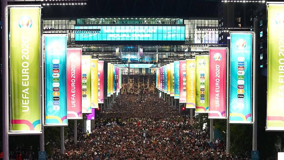"""""""Full House"""": Zum Finale strömten mehr als 60.000 Zuschauer ins Wembley-Stadion."""