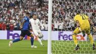 Das schnellste Tor der bisherigen EM-Geschichte: Luke Shaw trifft für England im Finale von Wembley.