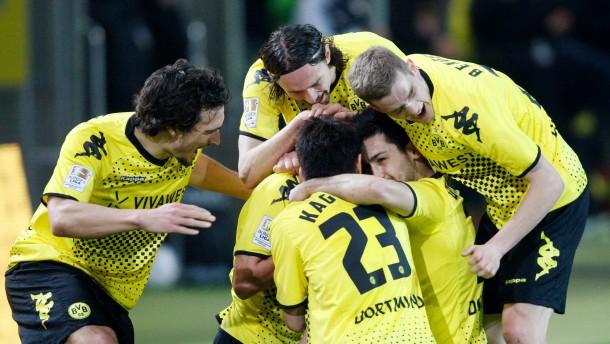 Gemeinsam auf Titelkurs: Dortmund besiegt auch Mainz und baut die Tabellenführung aus
