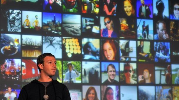 """""""Fotos meiner Freunde vor 1999"""": Facebook-Gründer Mark Zuckerberg gefällt die neue Funktion"""