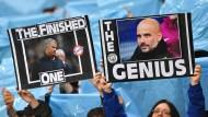 Die Fans von Manchester City haben ihren Spaß am Duell José Mourinho gegen Pep Guardiola.