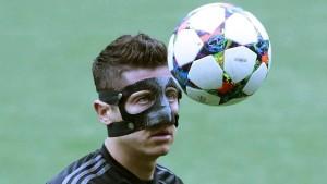 Bayern mit Maskenmann, aber ohne Götze