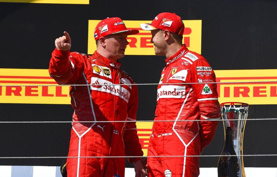Gesprächsstoff auf dem Podium: die beiden Ferrari-Fahrer Vettel und Räikkönen