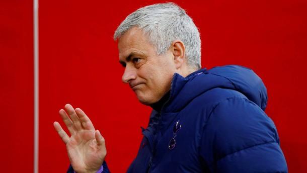 Tottenham entlässt Trainer Mourinho