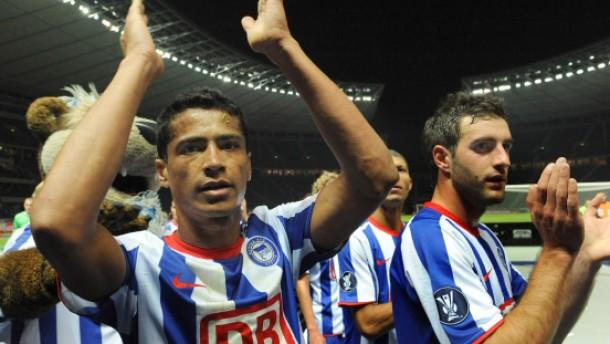 Auftaktsiege für Hertha und Schalke