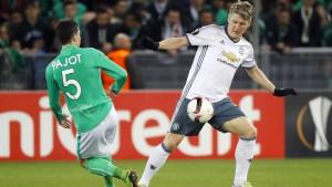 Schweinsteiger und Manchester United souverän