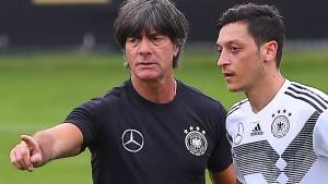 Özil hofft auf Besuch von Löw in Istanbul