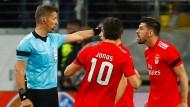 Benfica Lissabon war nicht gerade glücklich mit Schiedsrichter Daniele Orsato und seiner Entscheidung beim 1:0.