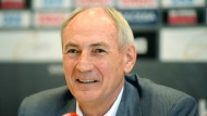 Der frühere Verbandschef Bernhard Bauer will wieder DHB-Präsident werden