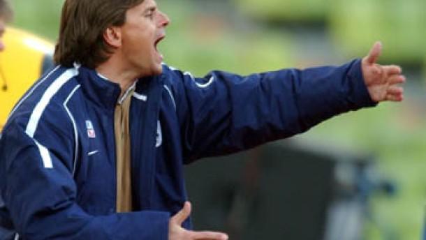 Stuttgart verdirbt Trainer-Debüt von Götz