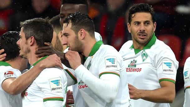 Die große Pizarro-Show in Leverkusen