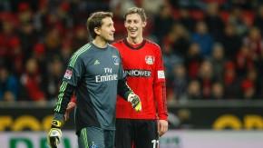 Wiedersehen unter Freunden: Adler (links) und Leverkusens Stefan Kießling